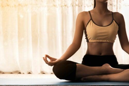 5 claves para consolidar una práctica de yoga en casa