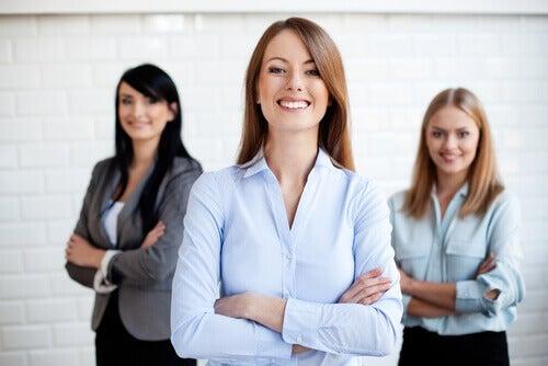 Mujeres emprendedoras entrevista de trabajo.
