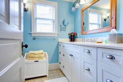 Objetos para guardar accesorios o decorar tu baño