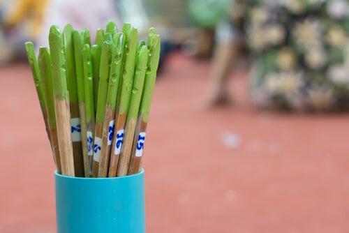 Los palillos chinos son excelentes limpiadores.