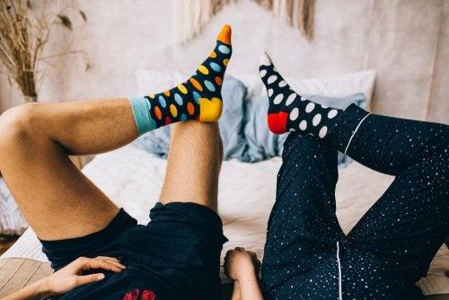 El uso de calcetines podría ayudar a alcanzar el orgasmo.