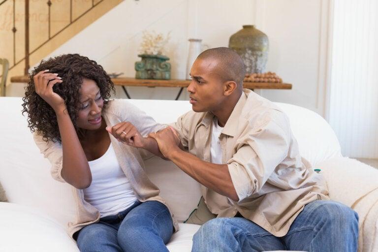 ¿Se puede sufrir acoso sexual por parte de tu propia pareja?
