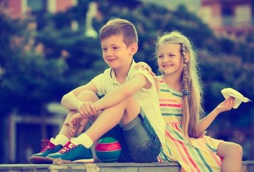 Noviazgos entre los niños: cómo actuar en estas situaciones