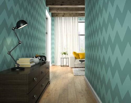 Existen numerosos elementos para decorar los pasillos de la casa.