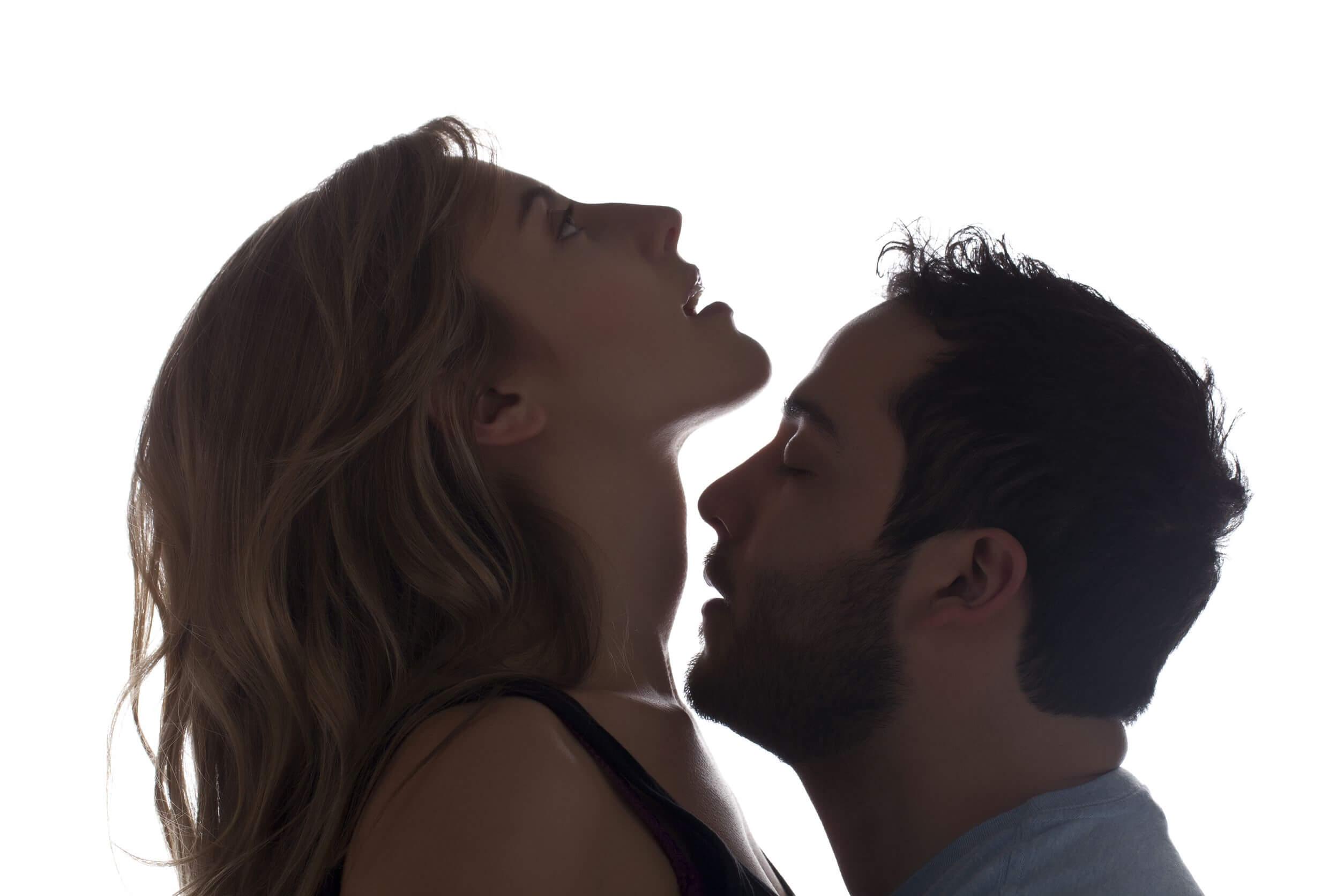 Hablar durante el sexo es beneficioso.