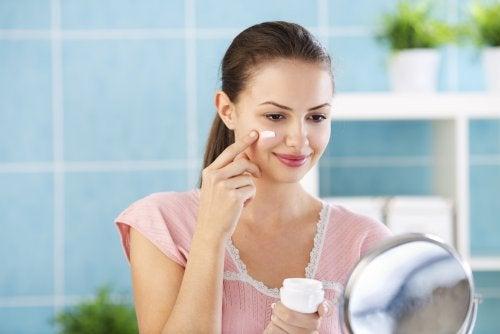 4 cremas para la noche que ayudarán a que tu piel luzca perfecta