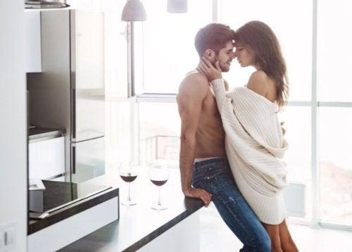 sexólogo - Posiciones sexuales para tener sexo de pie.