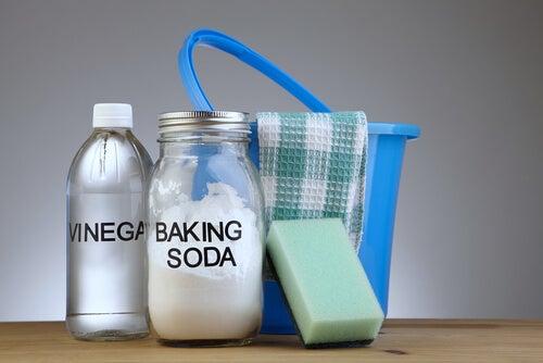 5 fórmulas para hacer tus propios productos de limpieza