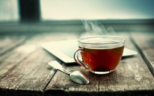 Nanopartículas de hojas de té que acaban con el cáncer de pulmón