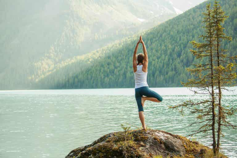 Cómo puede ayudar el yoga a controlar la hipertensión arterial
