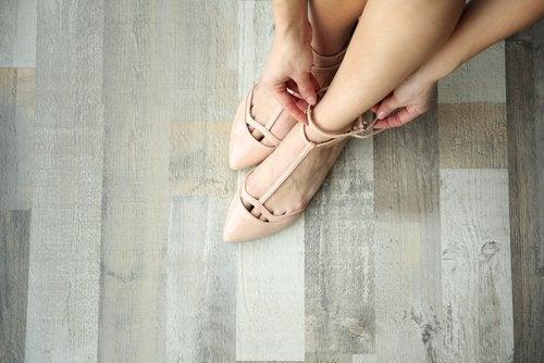 Zapatos terminados en punta.