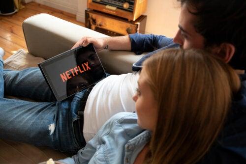 7 series de Netflix para verlas junto con tu pareja