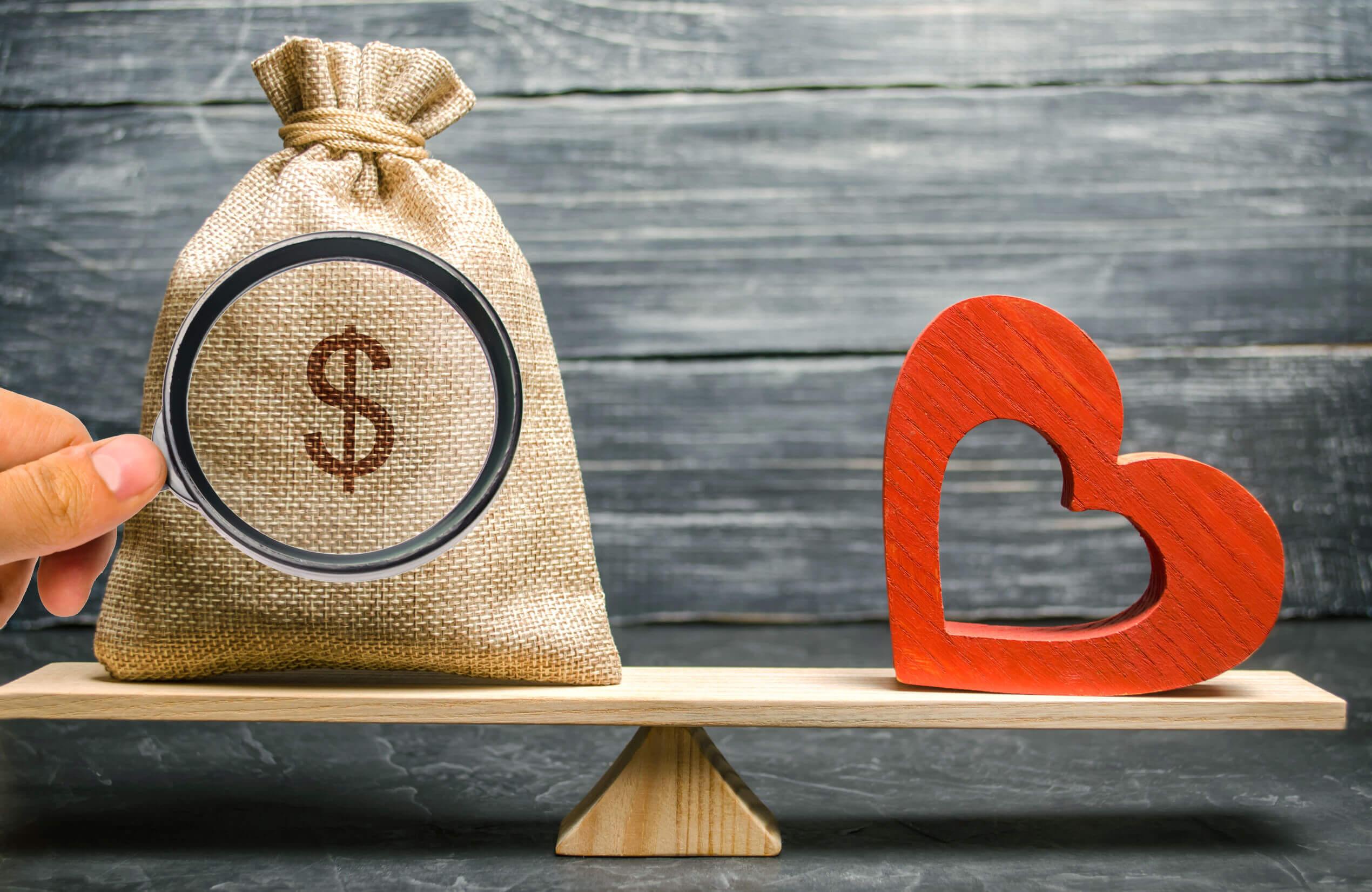 Las parejas que discuten mucho pueden hacerlo por dinero.