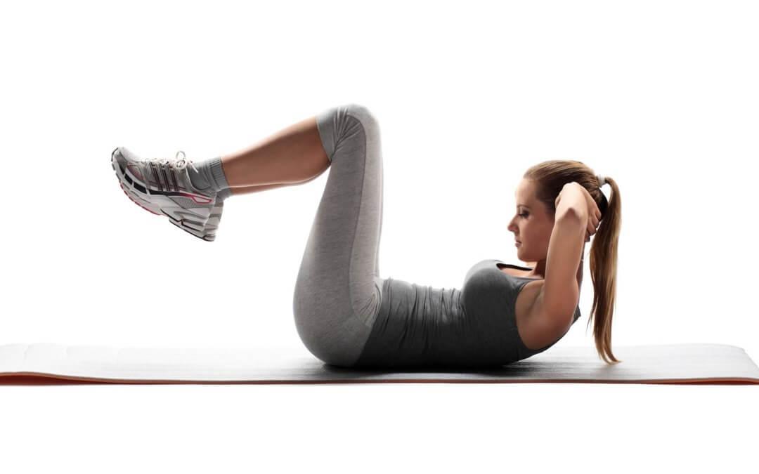Con estas 6 prácticas lograrás fortalecer los abdominales y mejorar la flexibilidad