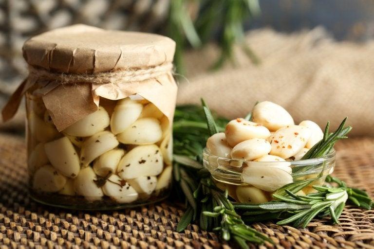 Aceite de ajo: un remedio muy versátil para cuidar el cuerpo