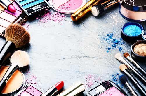 11 trucos caseros para arreglar tu maquillaje estropeado