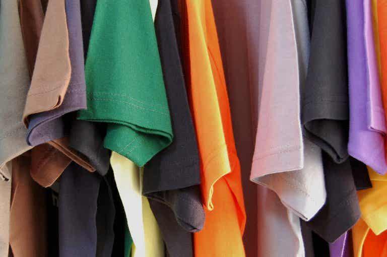 Cómo hacer cojines con camisetas recicladas