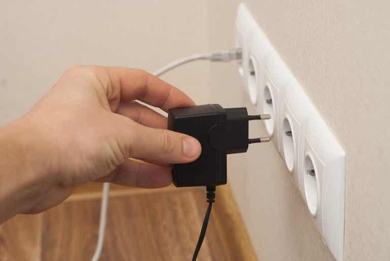 10 maneras en que se desperdicia energía eléctrica