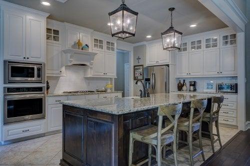Cómo desengrasar los muebles de la cocina: 5 productos ecológicos