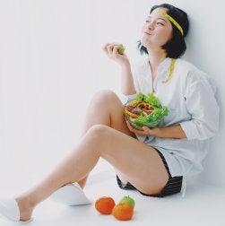 Comer sin estrés para combatir el reflujo gástrico