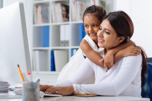 Cuándo una madre puede regresar al trabajo
