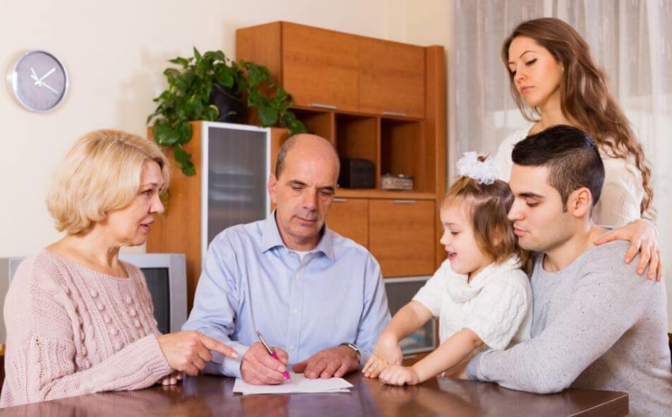 Conflictos familiares por dinero.