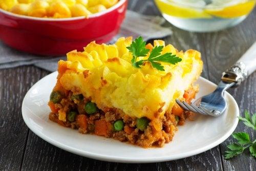 Pastel de carne y patatas muy fácil de preparar en casa