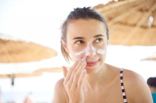 ¿Usar el mismo protector solar en la cara y el cuerpo?