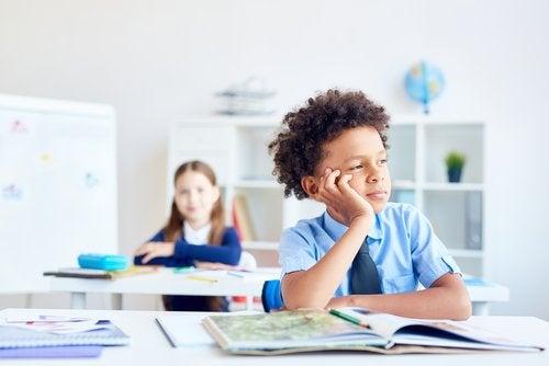 La distracción del niño en la clase: ¿qué podemos hacer?