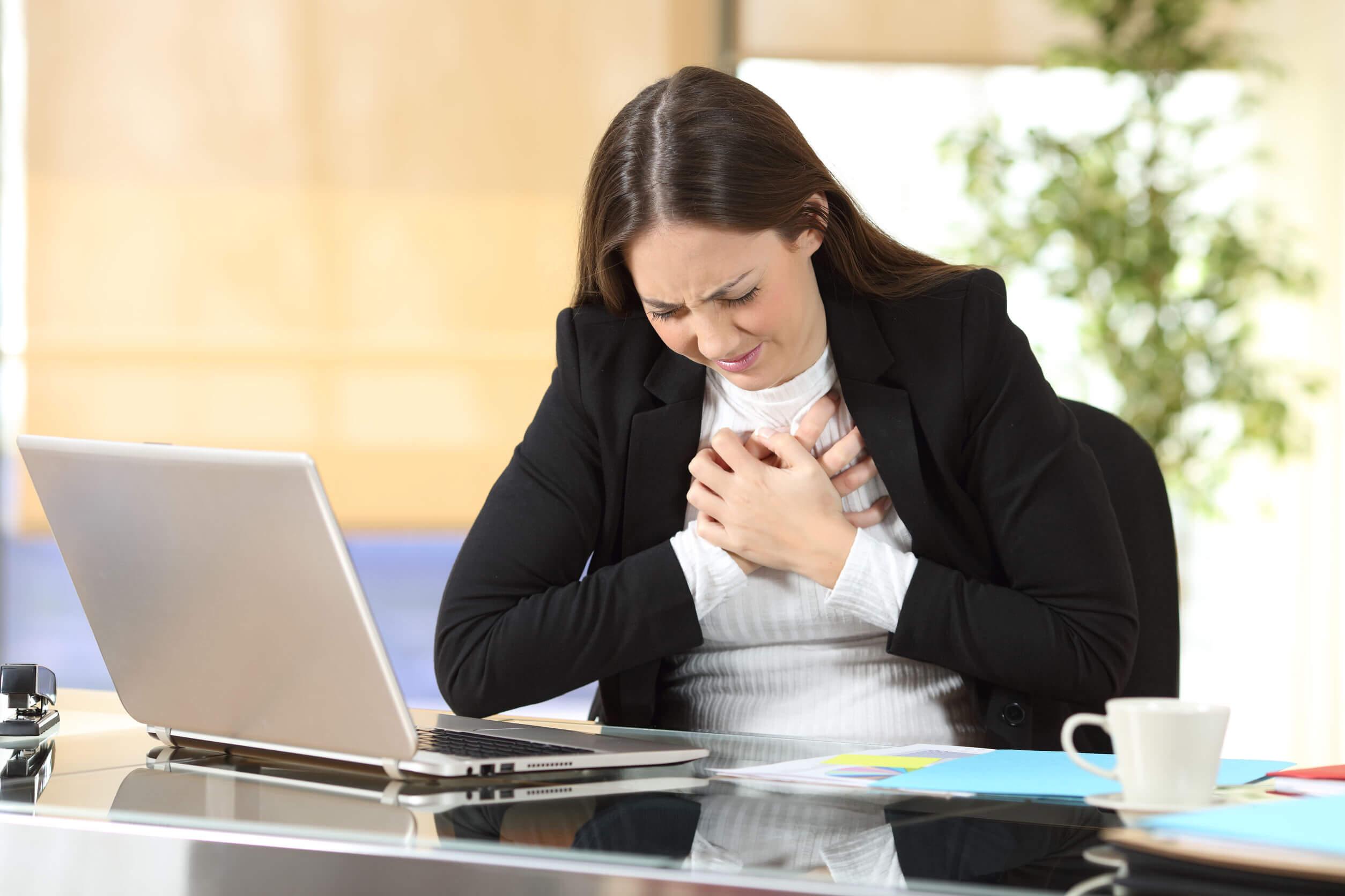 Aprende a identificar los síntomas de infarto en mujeres