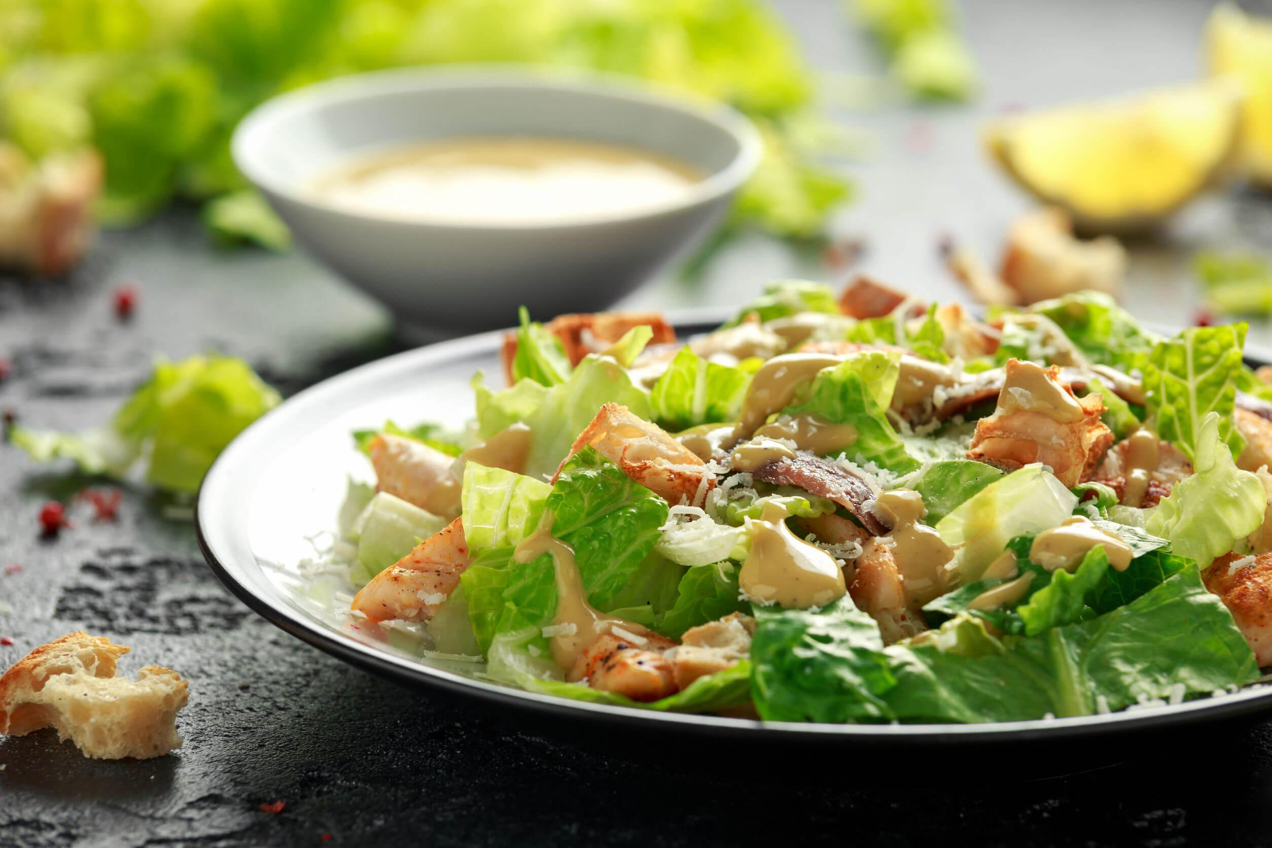 La ensalada puede ser consumida cuando hay intolerancia a la lactosa.