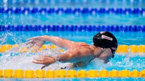 Estilo mariposa ejercicios de natación que te ayudarán a estar en forma
