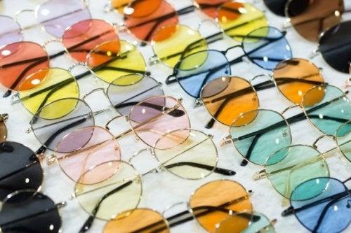 Gafas de sol en exposición.