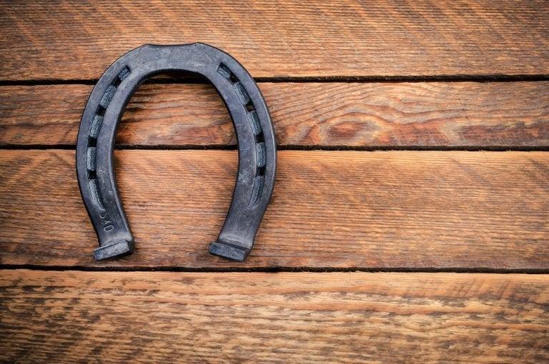 Por qué las herraduras son consideradas amuletos de la suerte