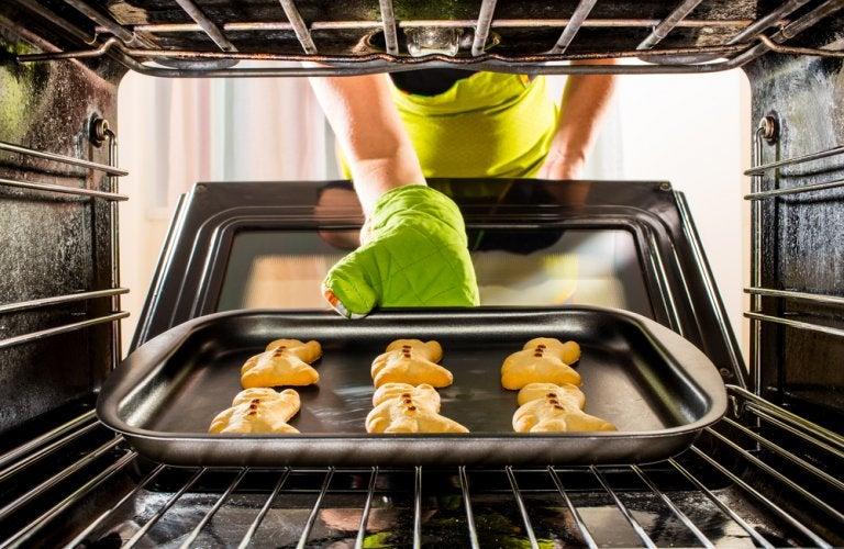 3 recetas de postres que puedes hacer en el horno