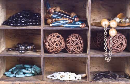 10 ideas para hacer tus propios joyeros con materiales reutilizables