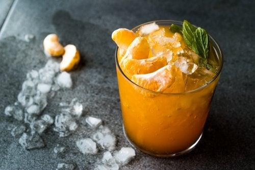 Delicioso mojito de mandarina para combatir el calor