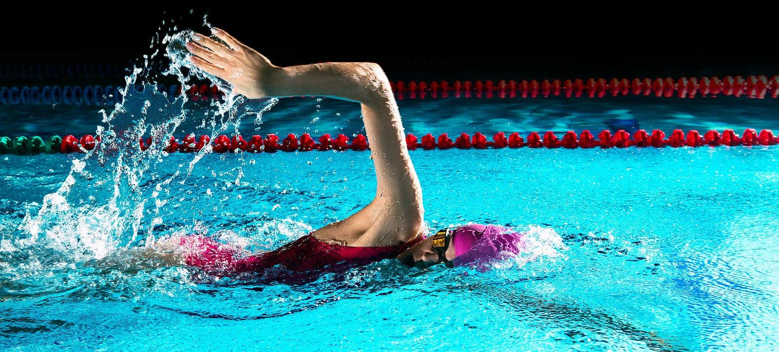 El crol es uno de los estilo de natación más populares.