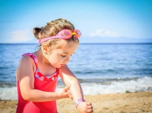 Los niños deben utilizar protector solar.