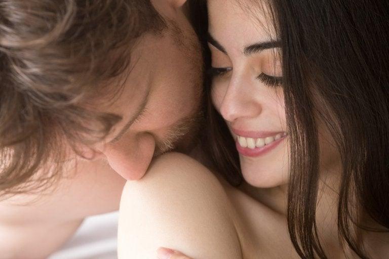 8 posturas que permiten estimular el interior de la vagina y el clítoris a la vez