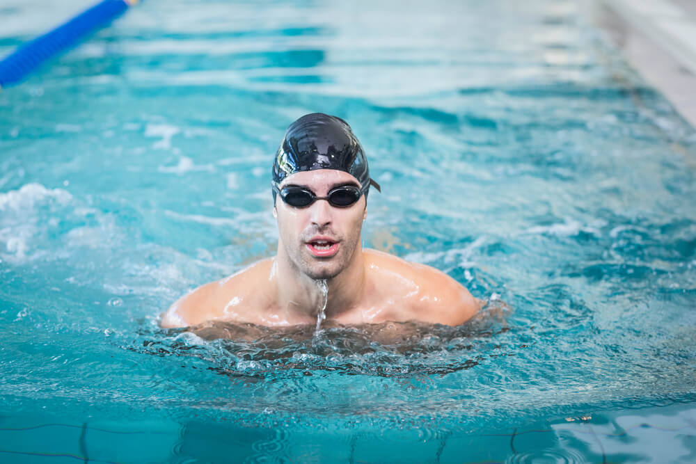 Cómo aprender a nadar en la piscina