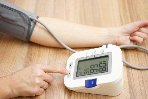amlodipino para tratar la presión arterial alta
