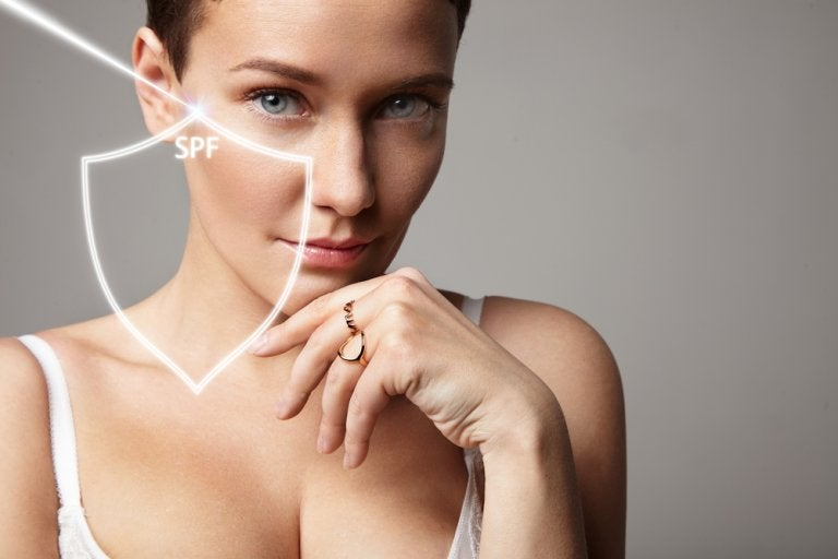 ¿Qué factor de protección solar debes usar para cuidar tu piel?