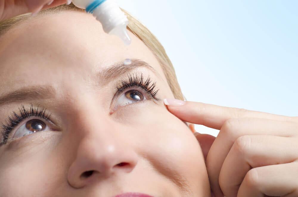 6 remedios alternativos y naturales para curar la sequedad ocular