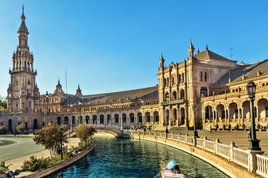 7 sitios más románticos en España para escapar con tu pareja