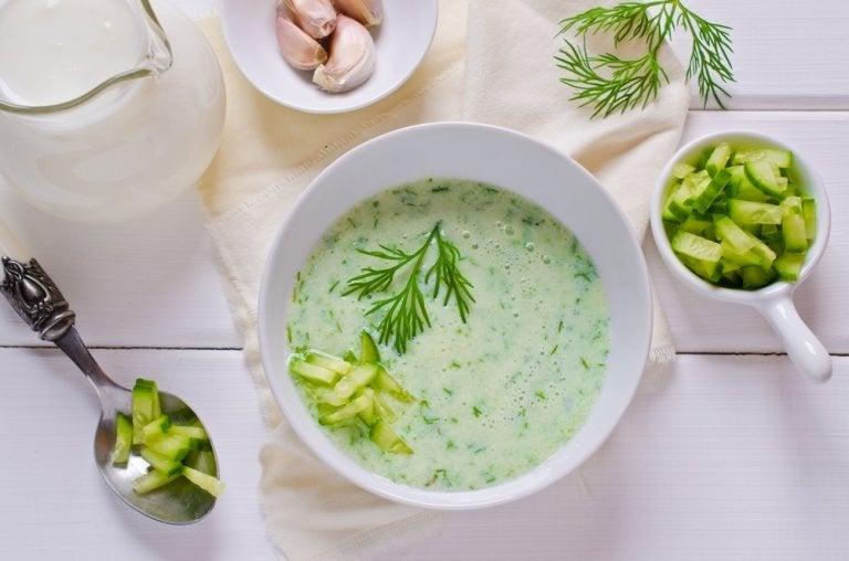 Receta de sopa de pepino y maíz dulce