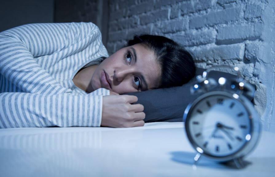 Tener insomnio