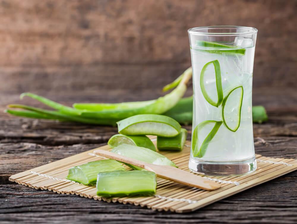 aliviar el dolor de estómago con aloe vera