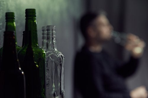 ¿Por qué no es bueno mezclar antibióticos y alcohol?