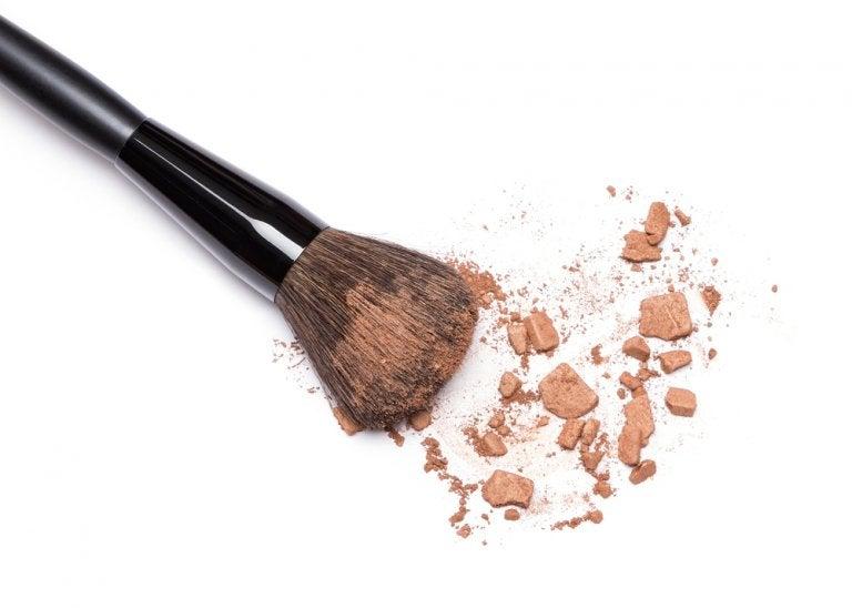 5 formas de desinfectar tus brochas de maquillaje